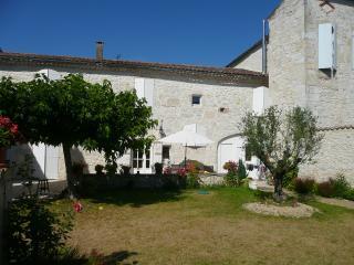 Chambres Hôtes Saint-Roch, Piscine couverte, Gers, Tournecoupe