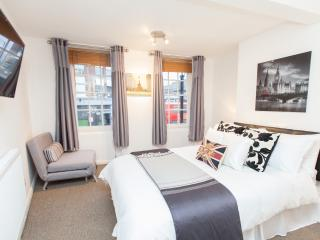 Liverpool Street (Central London Apartment) zone 1