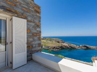 Stylish summer villa by the sea in Kea