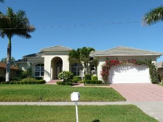 260 Copperfield Court, Marco Island