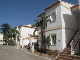 A delightful two bedroom ground floor apartment., Denia