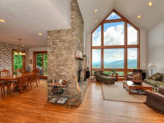 Breathtaking Views & Easy Access at 4,000ft., Waynesville