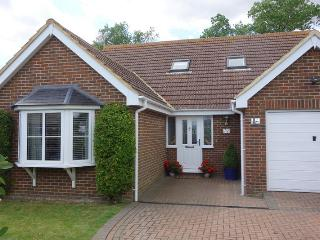 FABULOUS SEASIDE HOUSE  AT ST MARYS BAY SLEEPS 9 NR DYMCHURCH-NEW ROMNEY- HYTHE, Dymchurch