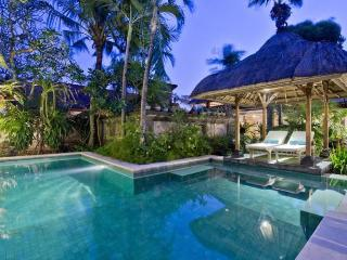 Hibiscus, 4 bedrooms in Sanur
