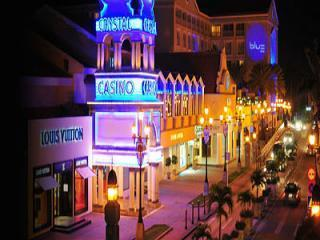 NEARBY:  Crystal Casino and Renaissance Shopping Mall.  Downtown Oranjestad.  10-15 min.