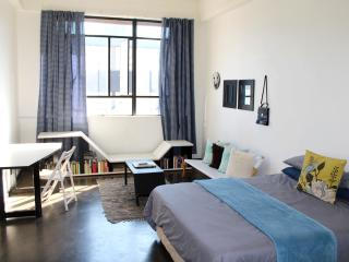 Sunny studio heart of Johannesburg Tourist Hub