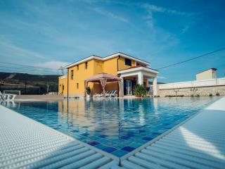 VILLA FOR RELAXATION WITH LUXURY POOL MAKARSKA, Imotski