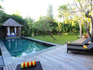 3 bedroom villa Seminyak Promo Rate