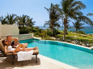 Crane Beach One Bed Apartment with private pool