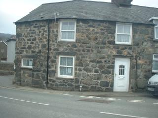 200 year old end terrace cottage