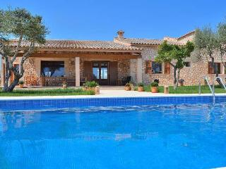 122 Beautiful holiday home with private pool, Manacor