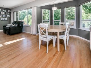 Large Clean Child Friendly Home, Vancouver