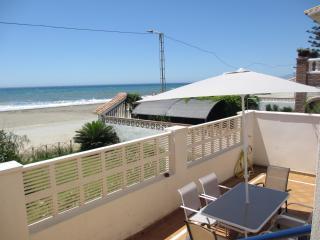 Beachfront Rincón 4, WIFI, A/A,garage,terraces,7pe, Rincon de la Victoria
