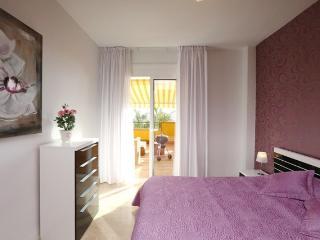 Bright 2 bedroom apartment in Playa la Arena 00158, Tenerife