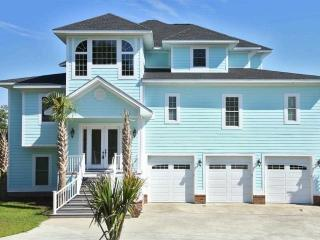 Incoastal Waterway Million $$ Home Close to Beach, North Myrtle Beach