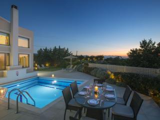 Quiet Relaxation at Irini Villa 18km from Rethymno, Skouloufia