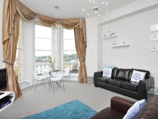Great sea views sleeps 2-4 (9), Torquay