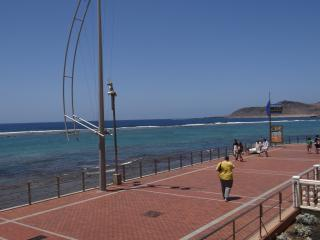 Beachfront apartment in Playa Las Canteras