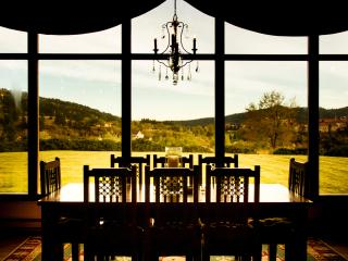 Bluebird Mesa Retreat and Getaway stay!, Hot Springs