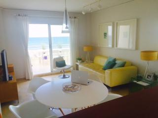 Frontline seaside apartment, Oliva