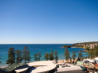 Coastal Chic Designer Apartment, Manly