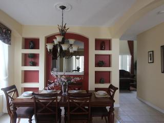 8 bedrooms villa only 3 miles from Disney World, Kissimmee