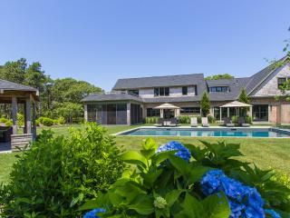 DICKT - Luxurious Katama Retreat, Ferry Tickets, Heated Pool, Cabana with, Edgartown