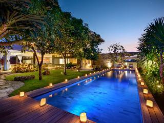 Beautiful LUX Villa Balangan Beach