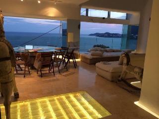 Spectacular Penthouse - Acapulco Bay