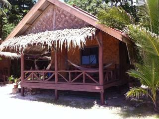 Basic Wooden Bungalow on the beach - 1, Ko Pha Ngan