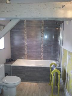 Fully fitted bathroom suite