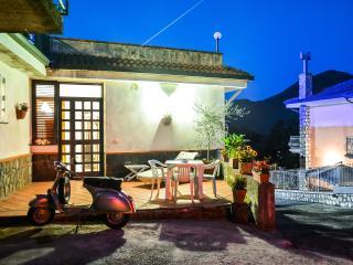 Casa vacanza NIVES - costiera amalfitana, Tramonti
