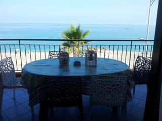 Seaview apartment in Capo d'Orlando, Sicily, in front of the Aeolian Islands