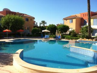 Peaceful poolside apartment Anarita Valley, Paphos