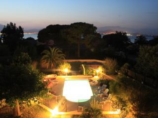 Villa avec piscine, spa, accès privée plage sable, Porticcio