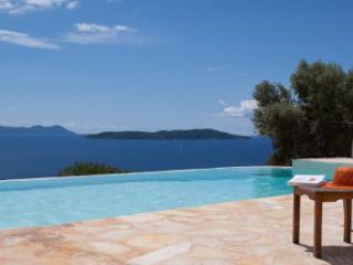 Villa Boubouki- Charming seafront villa on a beautiful relaxing area, Sivota