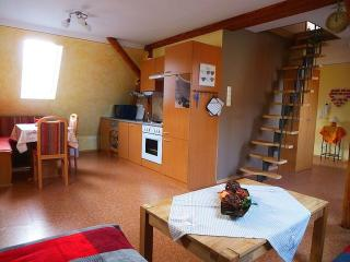 Vacation Apartment in Donauwörth - 753 sqft, central, bright, comfortable, Donauworth