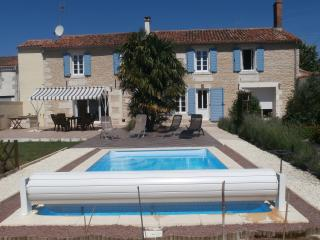 La Tannerie Exclusive Holiday Home / Farmhouse, Fontenay-le-Comte
