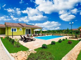 Elegant Villa with Heated Pool, Labin