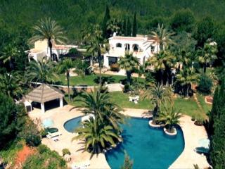 5 bedroom Villa in Santa Eulària Des Riu, Ibiza : ref 2268554, Es Codolar