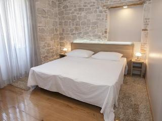 Tifani luxury rooms for 4 & breakfast, Split