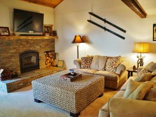 Pinecone Lodge - Comfortable Luxury for the Whole Family in Convenient Snowcreek I - Listing #348, Mammoth Lakes