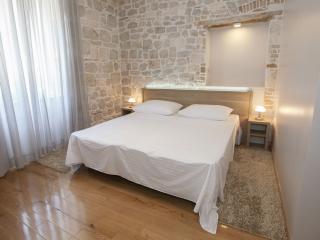 Tifani Luxury Rooms for 2 with breakfast, Split