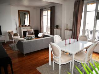 Charme, belle vue et accès direct à Paris Centre, Neuilly-sur-Seine