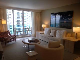 Ultra Luxury One Bedroom with Balcony Ocean, Miami Beach