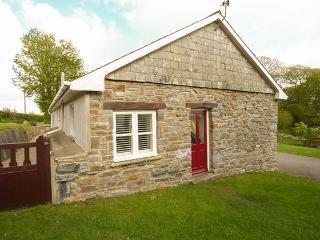 LLETY'R LLWYNOG, detached, WiFi, woodburner, garden, near Narberth, Ref 922257