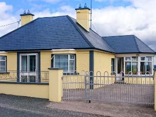 HILLTOP BUNGALOW, detached, ground floor, open fire, en-suite wet room, good touring base overlooking lough in Aughnacliffe, Ref 926561