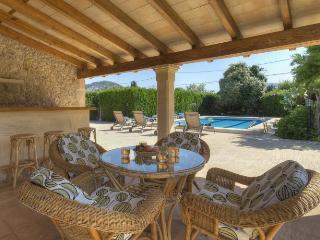 146 Spacious country house with Jacuzzi and sauna, Pollença