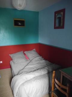 Le lit principal 2 places...