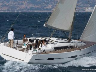 LuxurySailBoat